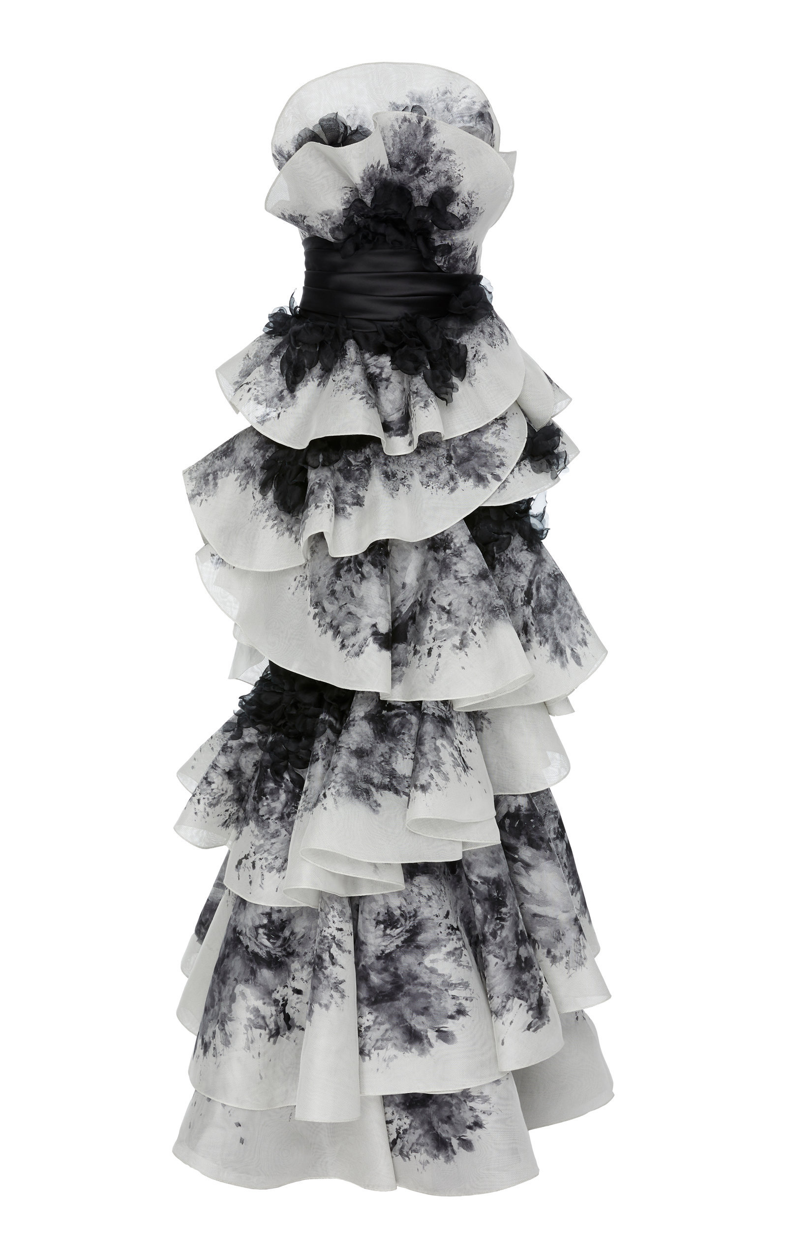 Nintai: Origami-Inspired Geometric Dresses | strictlypaper | 2560x1598