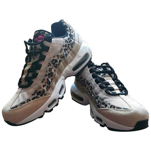 Shop Nike Air Max 95 Camel Cloth Trainers